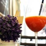 Прясно изцеденият сок от морков, ябълка, круша и манго детоксикира клетките